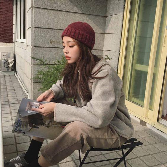 Cách đội mũ len cho nữ tóc dài