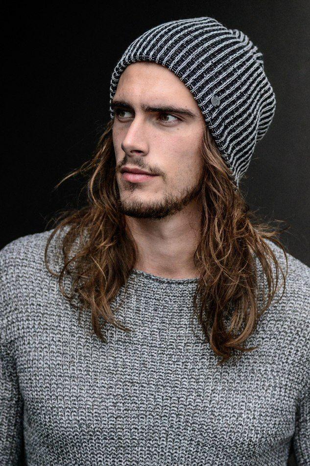 cách đội mũ len cho nam tóc dài