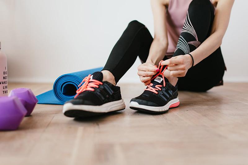 Cách chọn giày thể thao cho nữ