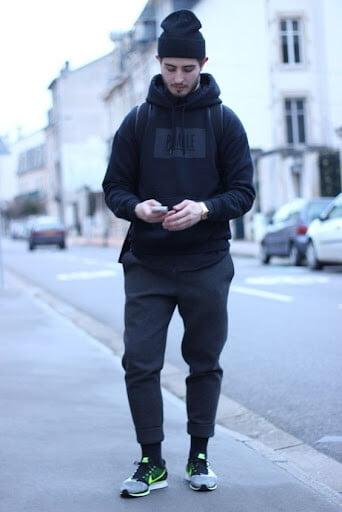 phối mũ len với áo hoodie nam