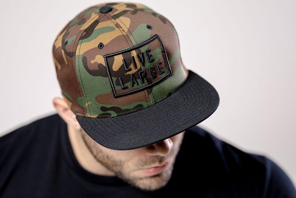 mũ snapback rằn ri nam